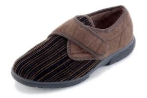 DB SHOES MENS THOMAS MENS SINGLE STRAP STRIPED VELCRO HOUSE SHOES IN BROWN, (4E FIT) EXTRA WIDE
