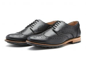 Chatham Mens Goodyear Welted Premium Leather Brogues (Buckingham) in Black