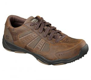 SKECHERS Men's Wide Fit Larson Casual Shoes in Brown